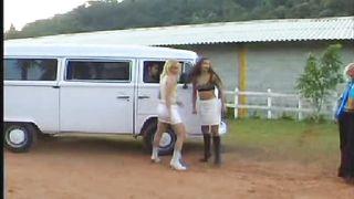 Cris Bell - Violentadas (2001)