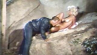 La Bimbo (1987) Dan T. Mann, Penguin Productions
