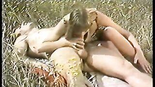 Le violeur de pucelles (1980) vintage Nathalie Idoux, Agnes Ardant, Jacques Péroni as Johana Morgan