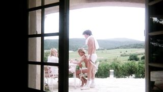Attention fillettes!... (1982)