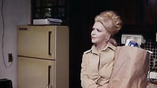 Inside Jennifer Welles (1977) 70s vintage