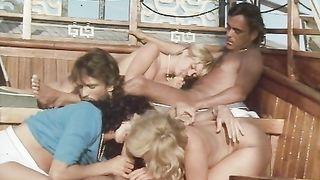 Sechs Scwedinnen auf Ibiza