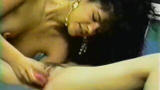 Nikki Dial Mr Peepers Amateur Home Videos (1993) sc 1